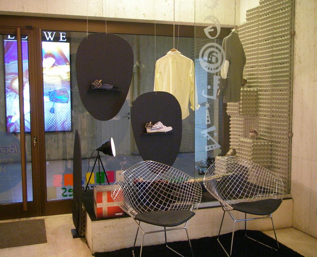 Proyecto de escaparatismo realizado por el Taller de Proyectos creativos asiDeCool en Las Palmas de Gran Canaria.