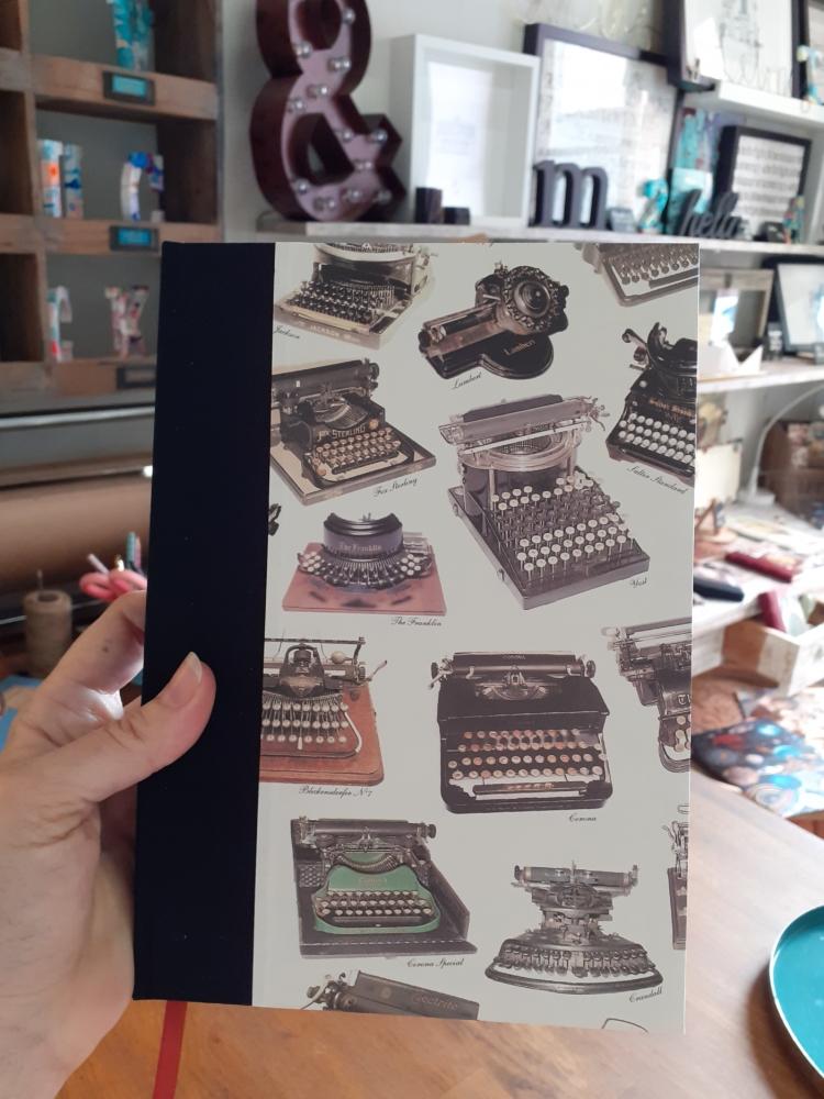 Cuaderno Máquinas de escribir edicion limitada escritores ecuadernacion artesana