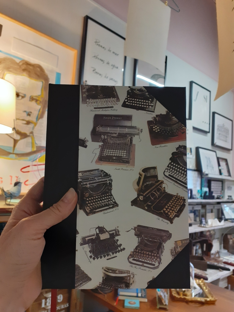 Cuaderno máquinas de escribir con puntas encuadernacion artesana