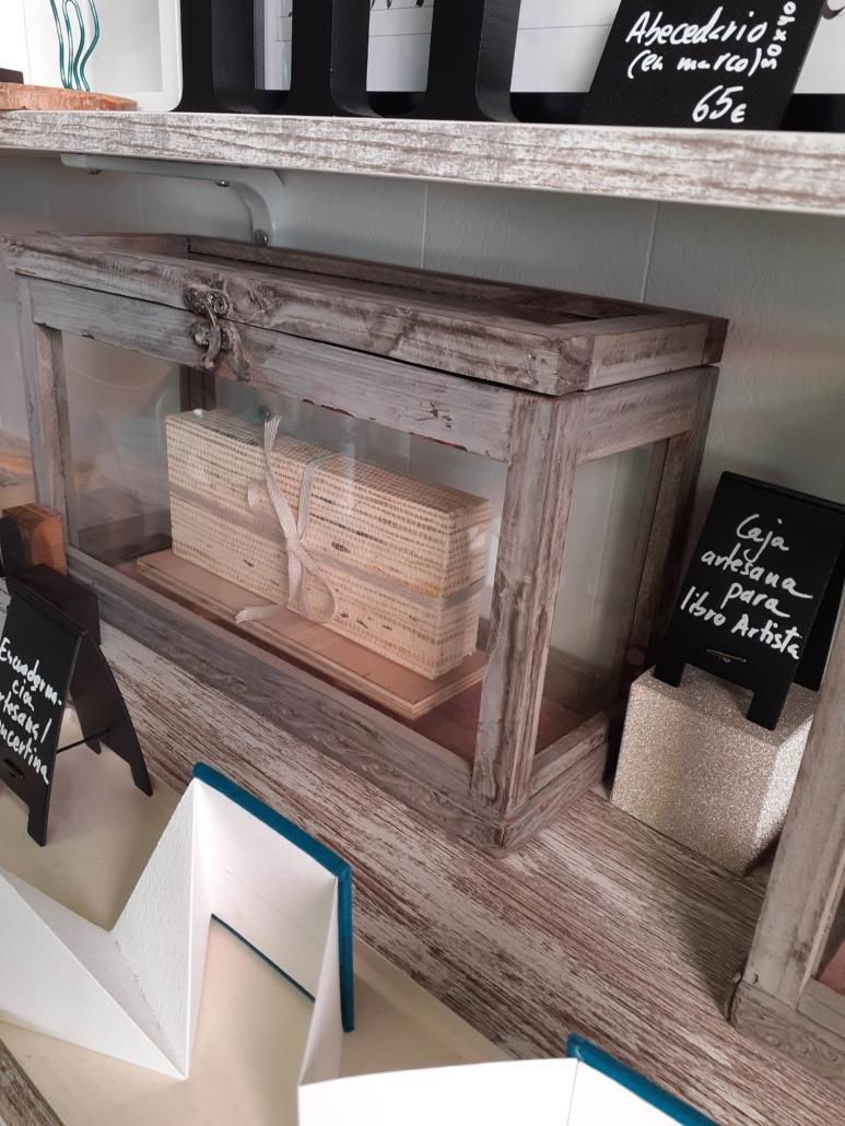 Caja artesanal para libro objeto