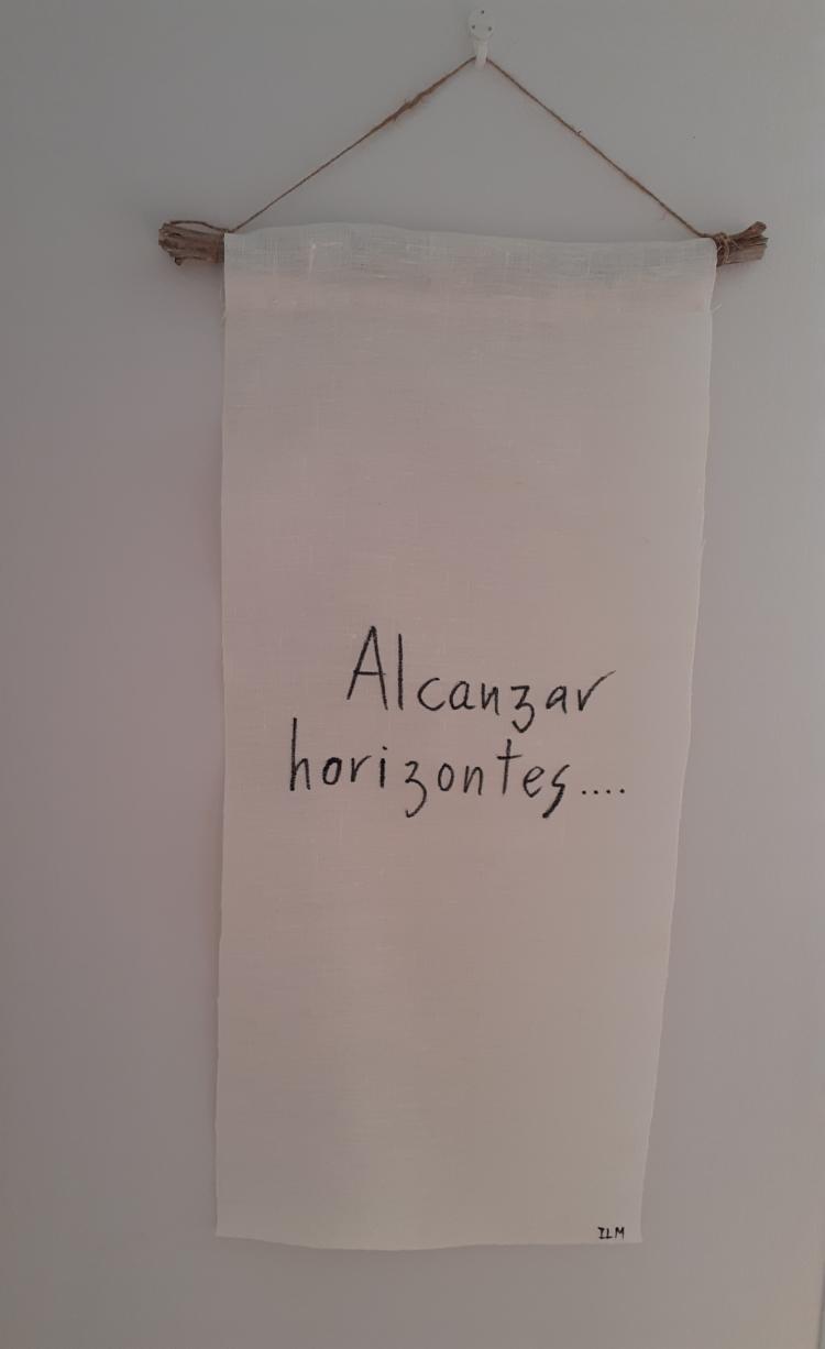 """Banderola Poema de tela de hilo natural """"Alcanzar horizontes...."""""""