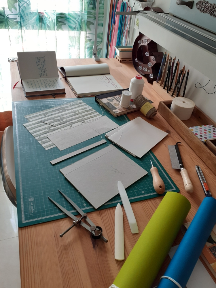 Taller básico Detallado encuadernación con lomo de tela